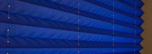 וילונות פליסה כחולים